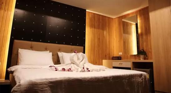 Deluxe-Room4