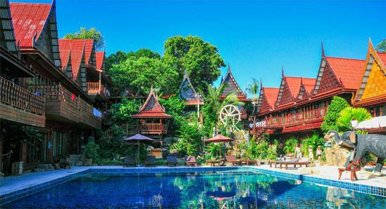 Deluxe-Thai-Pool-View3