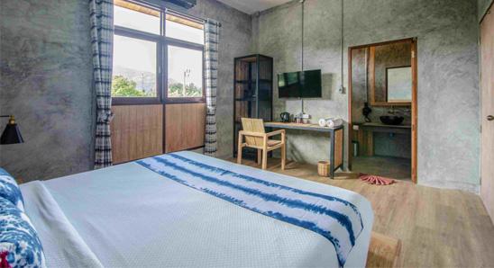 Exdusive-double-bed-En-suite1