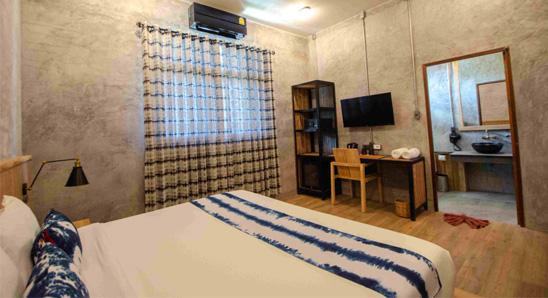 Exdusive-double-bed-En-suite3