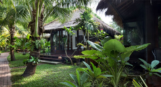 Luxury-Tropical-Villa6
