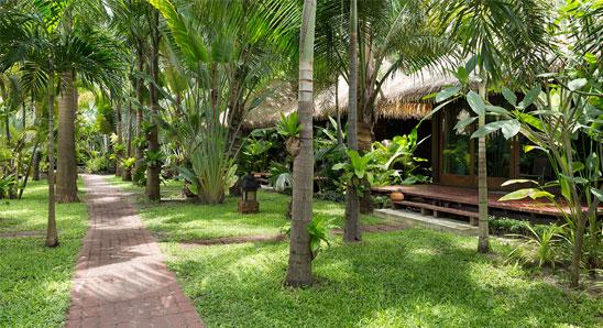 Luxury-Tropical-Villa7