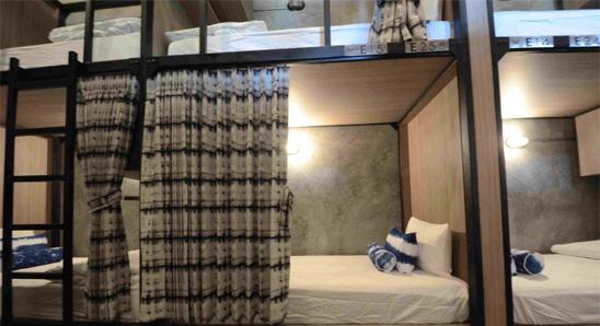 Superior-6-Double-bed-mixed-dorm1