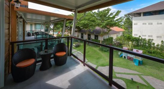 Superior-Garden-View2