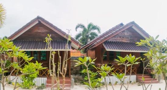 Superior-bungalow-garden-view2
